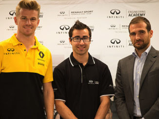 Nico Hulkenberg (left), Jacob Debono and Infiniti Global Motorsport director Tommaso Volpe
