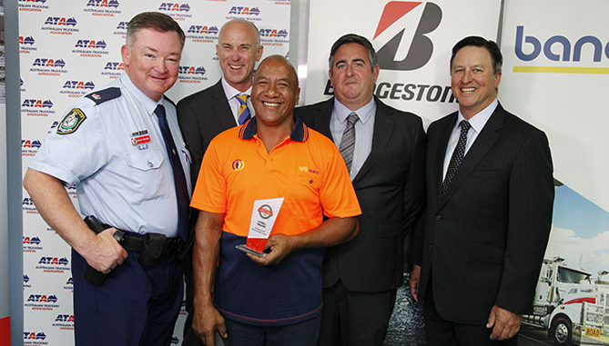 L-R: Chief Inspector Phil Brooks, NSW Police; Geoff May, National Manager Commercial Sales, Bridgestone; Darell Wilson, Highway Guardian Award recipient; Shane Cox, Commercial Sales Manager NSW/ACT, Bridgestone; Ben Maguire, ATA CEO