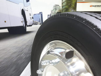 Hankook is presenting the SmartCity AU04+, its first tyre specification for electric buses.